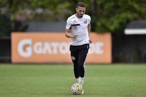 Físico e marcação: Jean Mota projeta melhora para ser titular do Santos