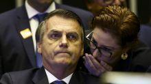 Bolsonaro faz trocas na base do governo na Câmara e Carla Zambelli perde posto de vice-líder