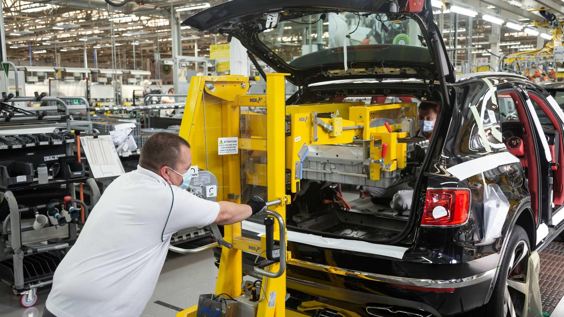 UK Car Production Down 95 Percent In May As Factories Start To Reopen