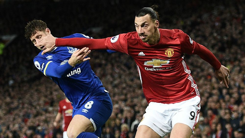 Manchester United, Mourinho encense Ibrahimovic