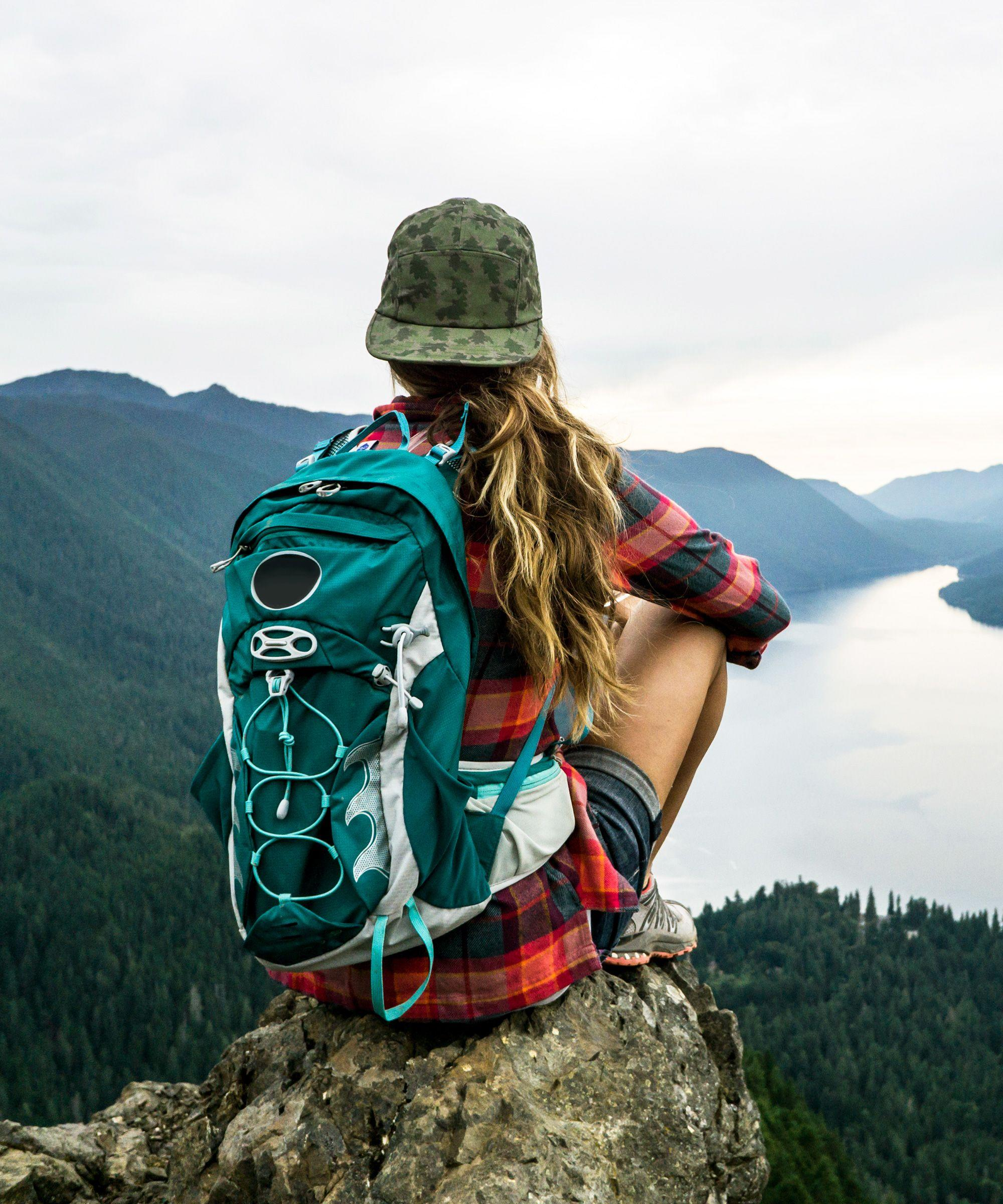 how to do backpacking a full time job