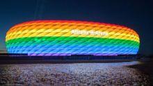 足球不只是足球! 德國球迷聲援LGBT舉「彩虹旗」鬧場