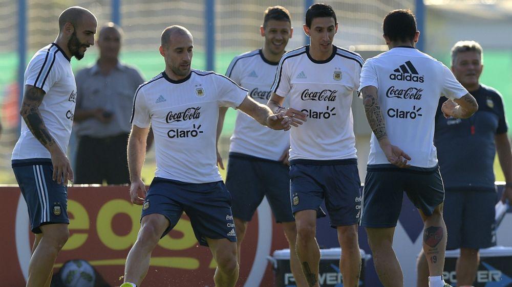 Javier Pinola quedó al margen de la Selección argentina