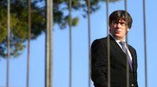 Líder catalán pide diálogo a Madrid en carta sin aclarar si declaró la independencia