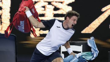 Carreno Busta doesn't leave Aussie Open quietly