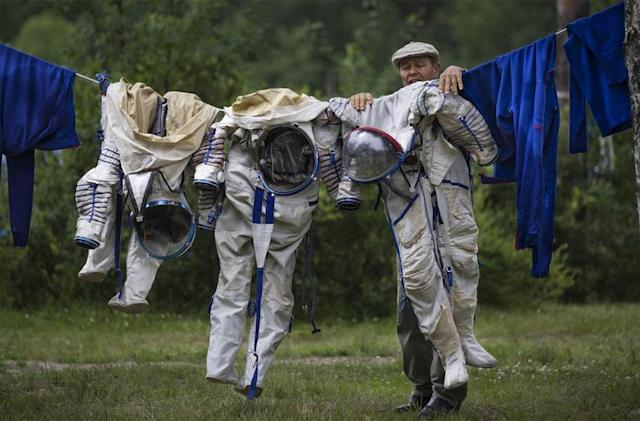 The Big Picture: How astronauts keep things clean