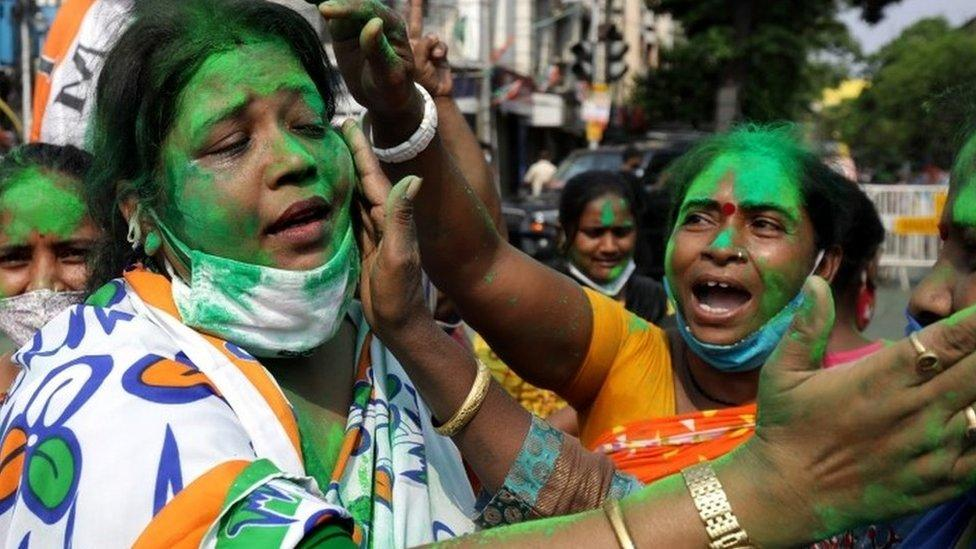 India elections: Modi party defeated in battleground West Bengal – Yahoo News