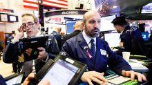 Wall Street rebota subido en una montaña rusa y la Fed promete moderación