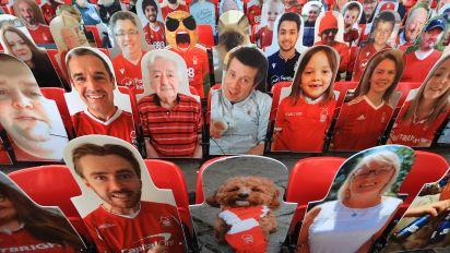 Epstein-Pappfigur in englischem Stadion gesichtet