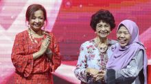 Matron Fadzilah awarded Tun Dr Siti Hasmah Award for work with HIV-affected (VIDEO)