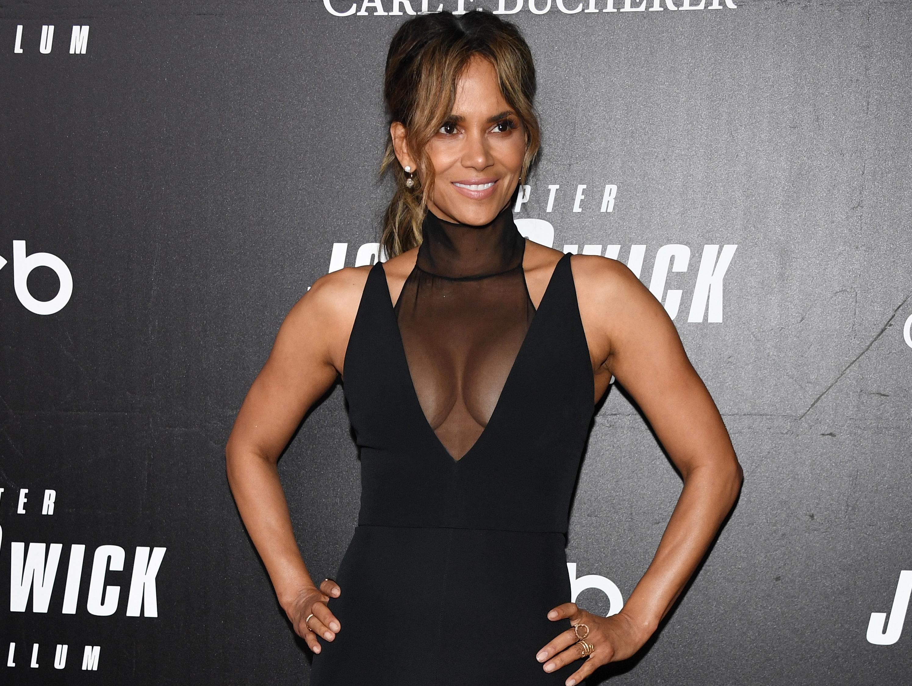 halle berry ever been nude
