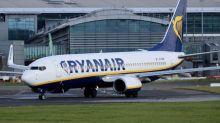 Royaume-Uni: deux hommes arrêtés pour une fausse alerte à la bombe dans un avion Ryanair