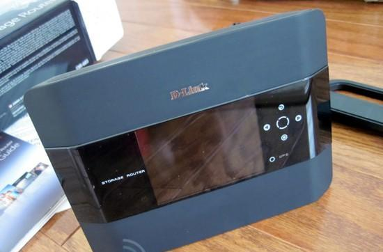 D-Link's Xtreme N DIR-685 storage router hands-on and impressions