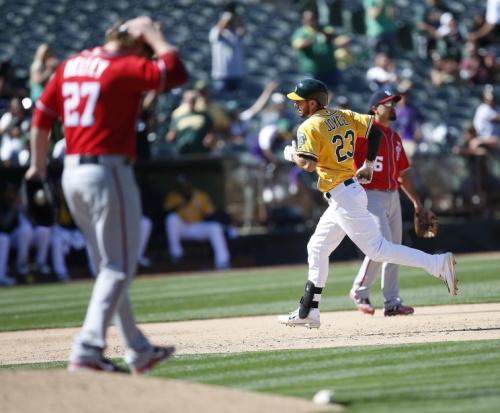 Shawn Kelley had a rough game, but still got the save. (AP Photo)