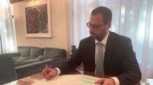 Governo, Patuanelli firma i primi decreti ministeriali