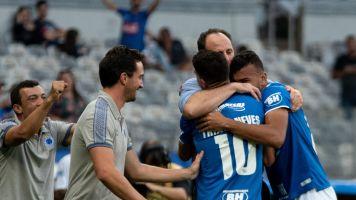 Na estreia de Ceni, Cruzeiro vence Santos