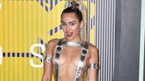 21 Amazing Fashion Moments From The VMAs Red Carpet