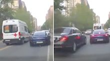 Porsche driver praised for act in front of 'ignorant' Mercedes