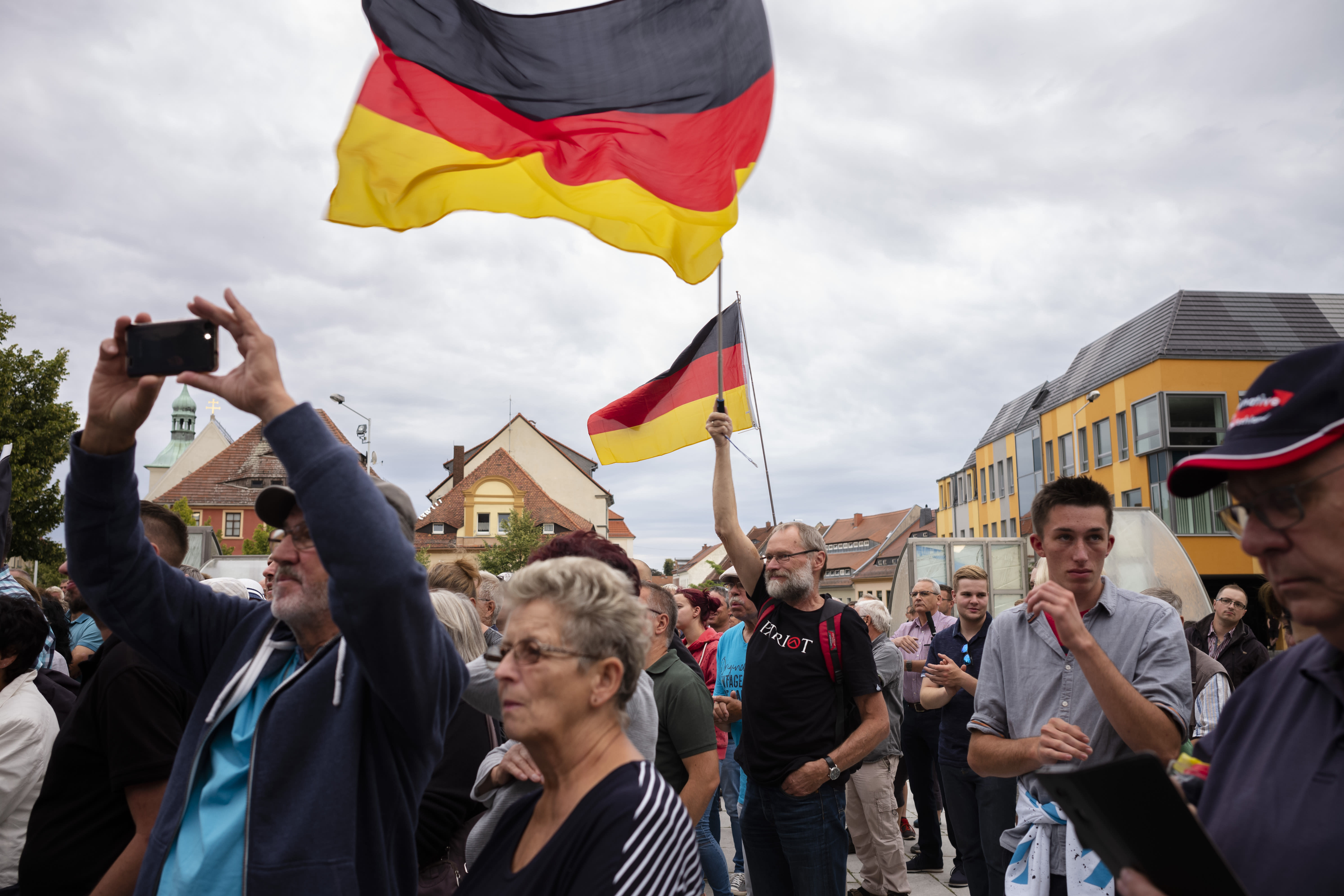 Germany regional elections: Far-right surge in two states