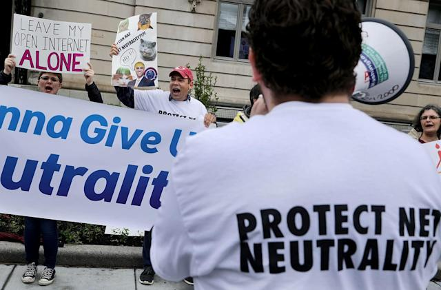EFF tool tells your members of Congress to fight for net neutrality