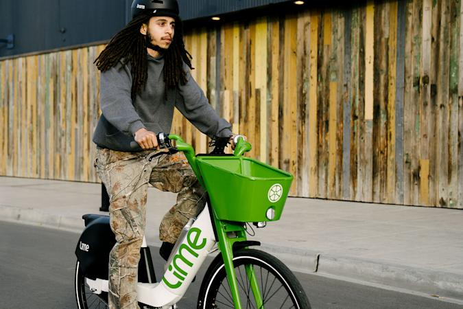 Lime e-bike with battery swap feature