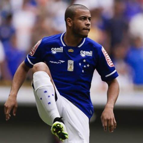 Imprensa portuguesa coloca lateral do Cruzeiro no radar do Sporting