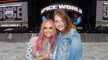 Emma Stone se rompió un hombro durante el concierto de las Spice Girls