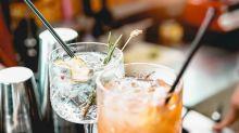 Positivo al Covid va al bar a bere con gli amici: denunciato