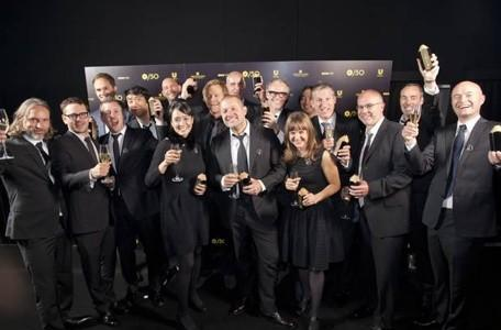 Entire Apple design team receives award in London