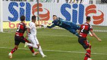 Dúvida para quarta, Diego Alves destaca confiança com vitória e diz: 'Temos total confiança no César'