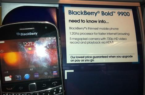 Blackberry Bold 9900 spotted in the British wilderness, bang on schedule