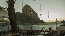 Ao ar livre: um roteiro com 45 bares e restaurantes com mesas em espaços abertos