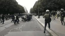 Manifestation des soignants: deux personnes jugées pour avoir frappé un policier en juin