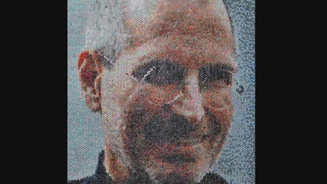 Steve Jobs Immortalized in Bubble Wrap Art