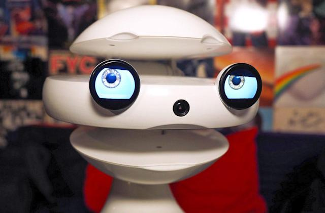 Your kid's new Spanish tutor is a creepy robot