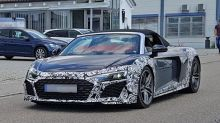 Audi R8 Spyder spied with updated look