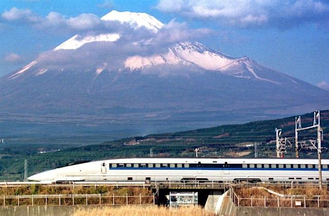 The Big Picture: Japan's bullet train turns 50