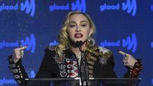 Bain glacé et tasse d'urine... Les derniers délires de Madonna ! (VIDEO)