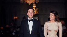 Did you spot this accidental photobomb in Eugenie's reception photo?