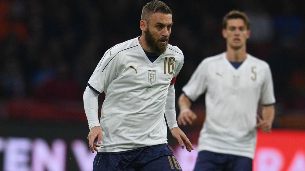 Italia, sfortuna De Rossi: ginocchiata alla schiena, dura 35' la 112esima presenza