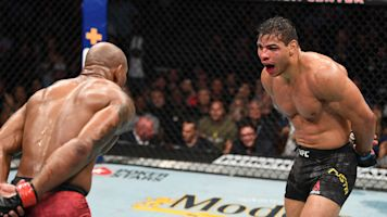 Costa ekes by Romero in wild, violent bout