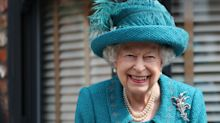 Queen visits Rovers Return pub as she meets cast of Coronation Street