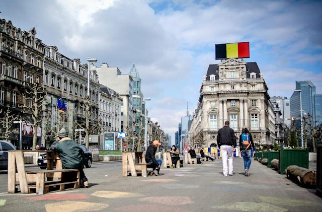 US carriers cover the costs for calls and texts to Belgium