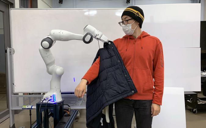 MIT CSAIL unveils a robot that helps the infirmed dress themselves