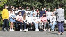 Avec ou sans masque ? Au collège et au lycée, la photo de classe par temps de Covid-19 vire au casse-tête