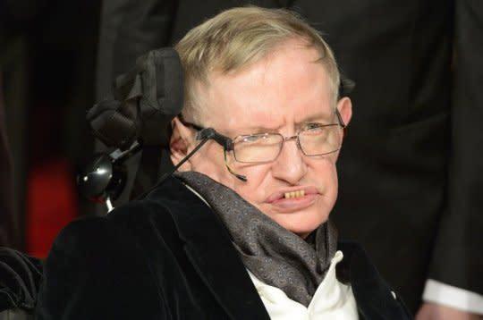 El profesor Stephen Hawking tiene más malas noticias para la humanidad: Estamos a punto de autoliquidarnos