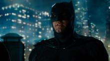 Ben Affleck confessa que furtou acessório do Batman durante 'Liga da Justiça'