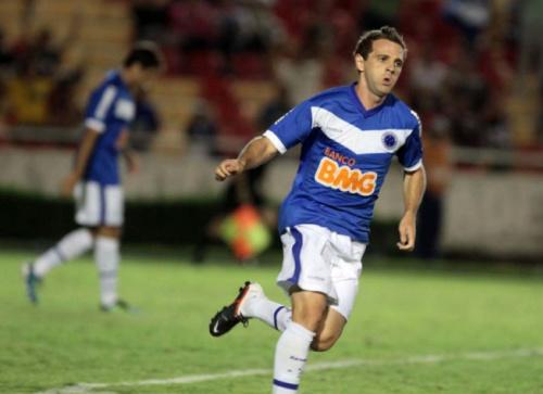 Montillo já comandou goleada sobre o Estudiantes na Libertadores