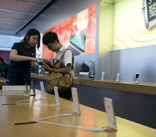 Apple Says China iPhone Ban Would Force Settlement With Qualcomm