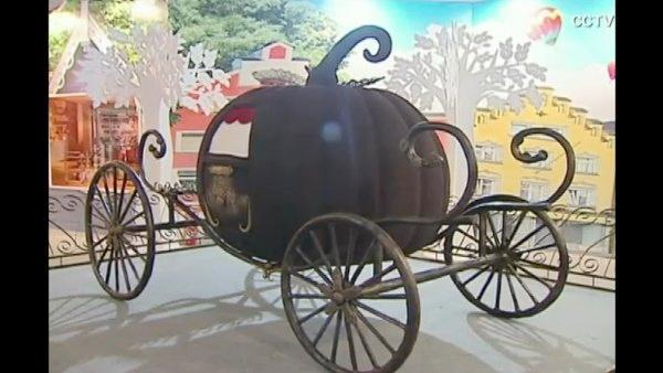RAW VIDEO: Chocolate theme park opens in Shanghai